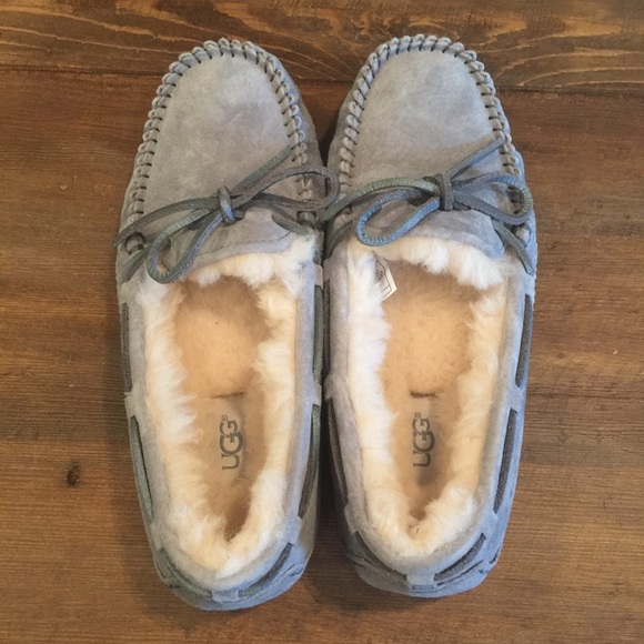 68ead479fd0 New Ugg Moccasins/ Slippers Suede Gray Women's 6 NWT